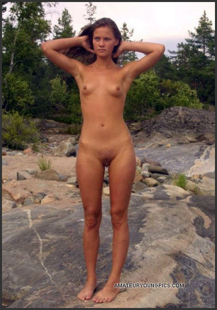 Photoes of naked girls
